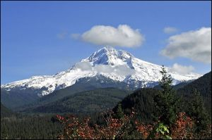 Mt Hood, Oregon (Courtesy of Wikipedia Commons)
