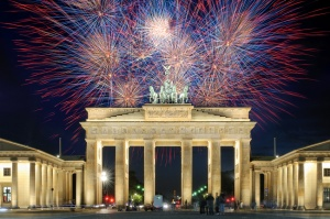 Brandenburger Gate on New Year's Eve (Photo Credit: www.sylvester-kurzreisen.de)