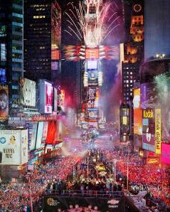 Times Square on New Years Eve (Photo Credit: iessanpabloenglish.wordpress.com)